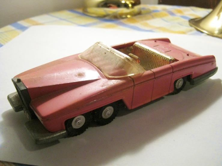 Lady Penelope's Fab 1 Thunderbird 100 Dinky Toys 1