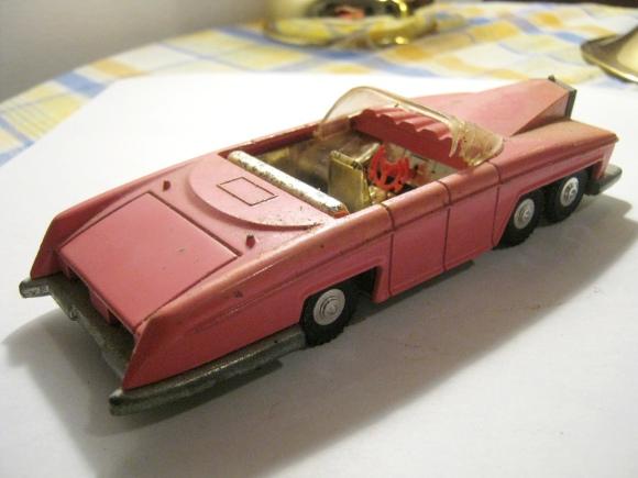 Lady Penelope's Fab 1 Thunderbird 100 Dinky Toys 2