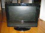 """""""Broken / for parts or repair -18"""" LCD-TV, Lloyds"""""""
