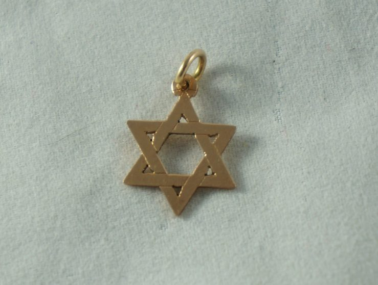 "a2416449eb1 Gold Star of David pendant: On eBay for 35$. The buyer asked for a return  saying it was ""too small."" The measurements and weight were right there in  the ..."
